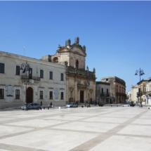 Manduria_Piazza_Garibaldi_panorama